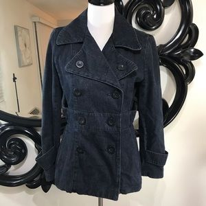 Size Medium jean button up jacket great condition